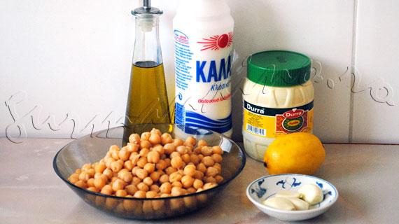 Reteta Humus - preparat arabesc din naut cu pasta de susan, usturoi si suc de lamaie