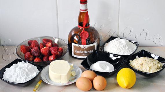 Desert frantuzesc: Mini-tarte cu crema frangipane (de migdale) si capsune macerate in Grand Marnier