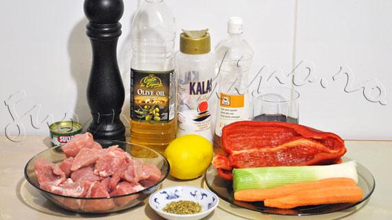 Reteta porc: Ragoût de porc, cu vin rosu si legume, à la Jamie Oliver