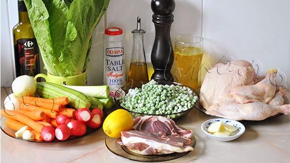 Reteta Gordon Ramsay - Pui la cuptor cu garnitura de mazare, prosciutto si salata verde & legume cu lamaie si otet balsamic